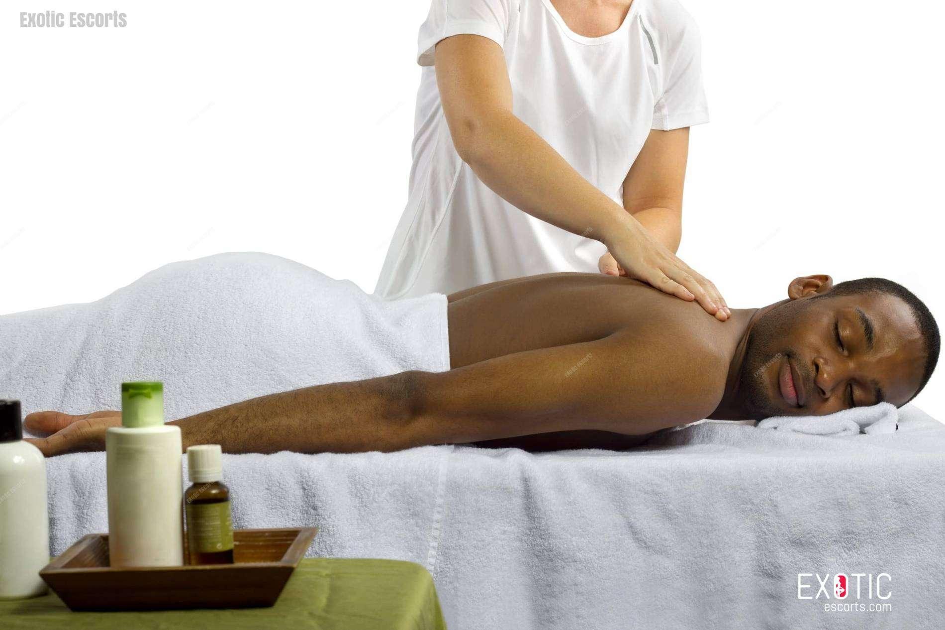 Erotic massage Nabua