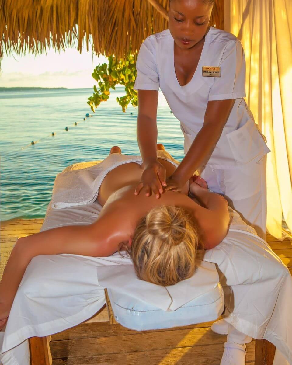 Erotic massage Venezuela
